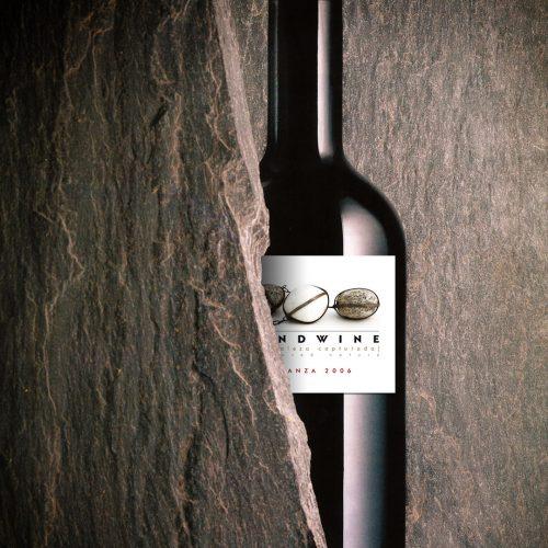 botella con etiqueta - claroscuro digital